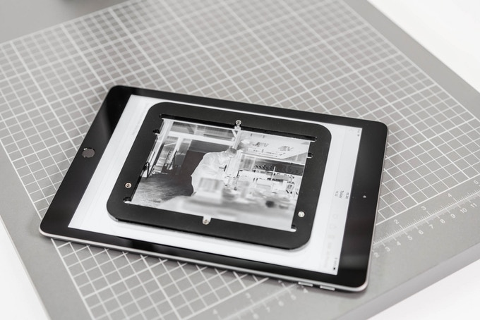 use your smartphone or tablet to digitize film negatives with the pixl-latr