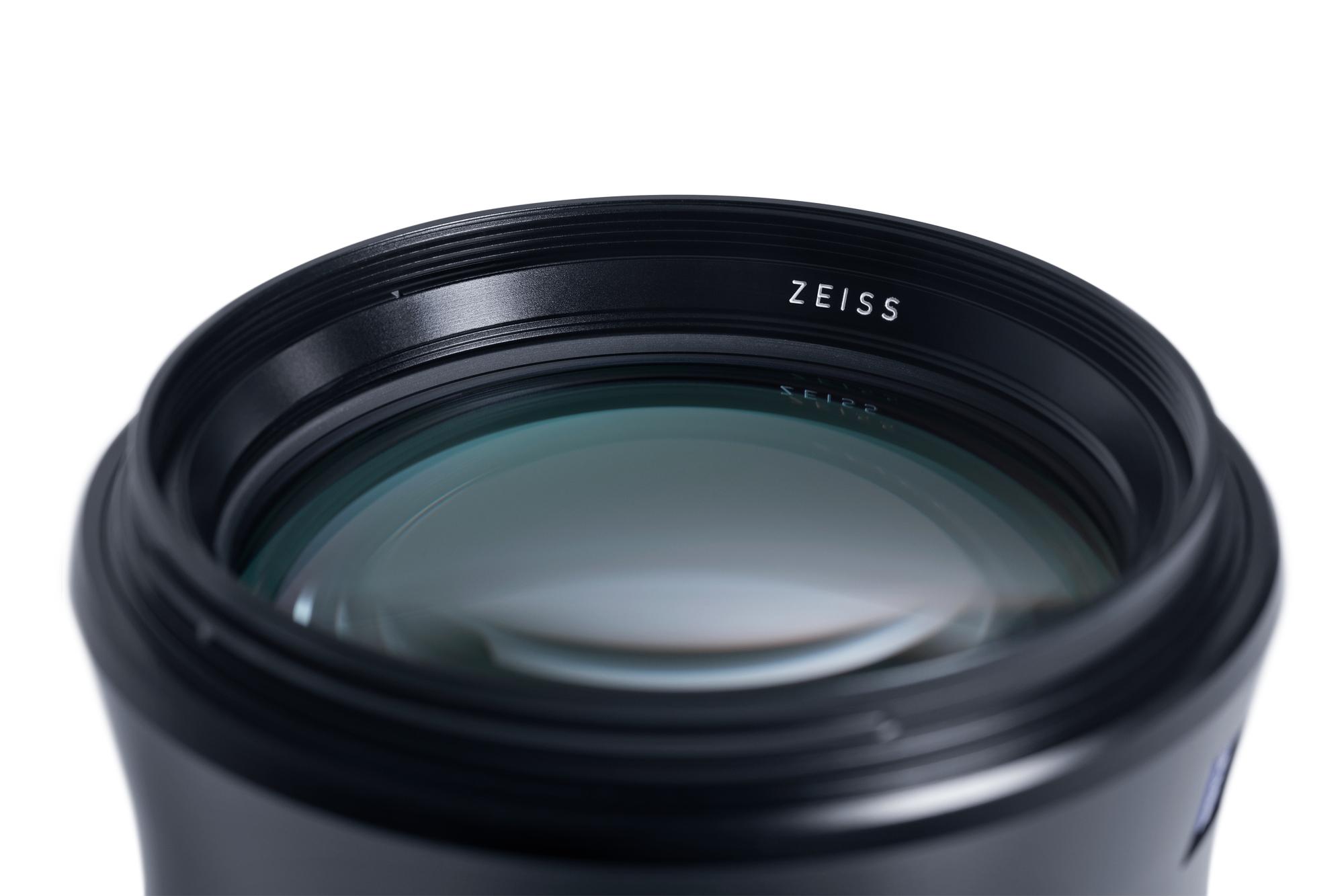 zeiss otus 1.4 100mm lens
