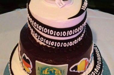 Emoticakes Wedding Cake B&G