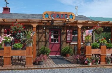 Crystal Lake Cafe' Americana Vineyards Cayuga Wine Trail