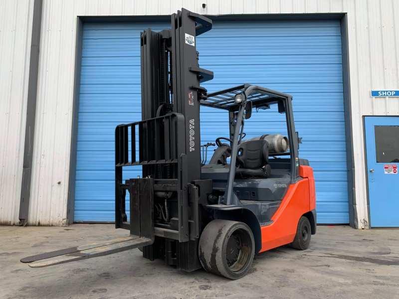 Forklift Rental Company-01