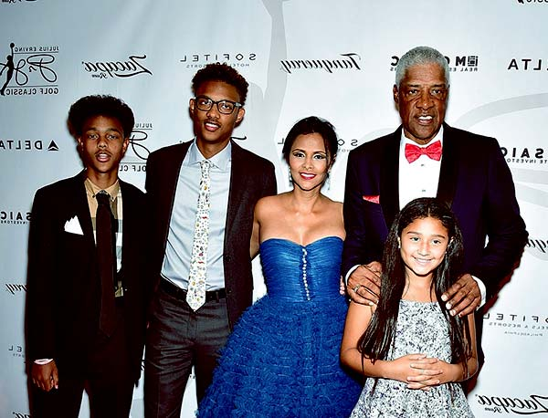 Julius Erving with his wife Dorýs Madden and kids
