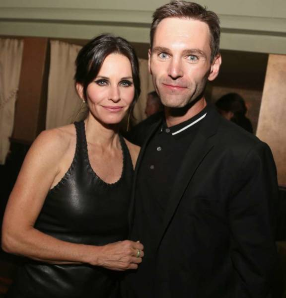 johnny mcdaid is in relationship with courteney cox