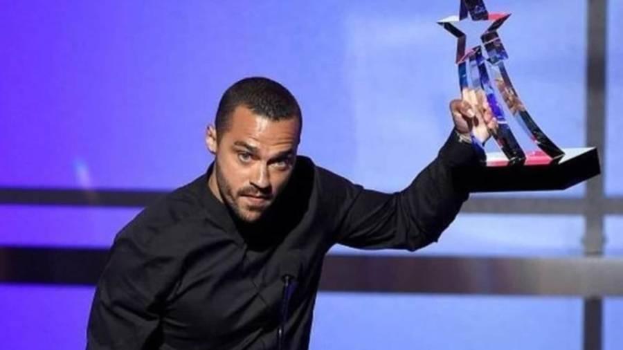 Holding award Jesse-Williams