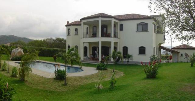 move to Costa Rica