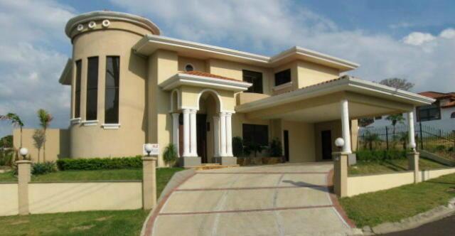 properties in Cariari