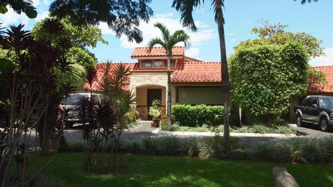 We always have great units in Residencias los Jardines in Santa Ana for sale, contact us now