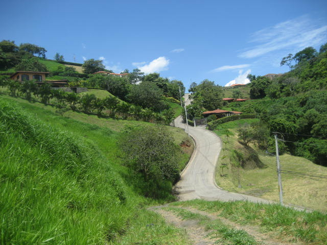 You can purchase a home or building lot in Roca Verde gated community in Atenas