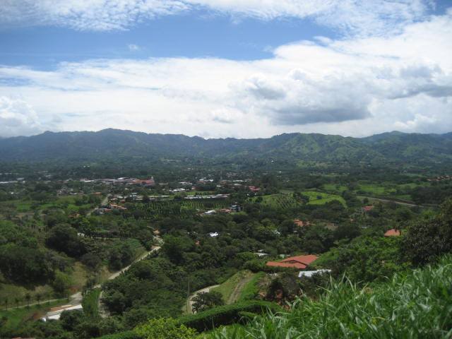 Have a look at these views from a home for sale in Roca Verde - Atenas. Contact us now.
