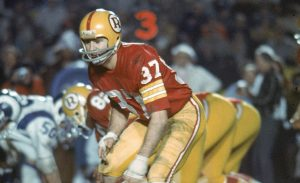 LOS ANGELES - DECEMBER 13 : Safety Pat Fischer #37 of the Washington Redskins in action during a 38-24 victory over the Los Angeles Rams on December 13, 1971 at the Los Angeles Memorial Coliseum in Los Angeles, California. (AP Photo/NFL Photos)