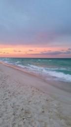 Beach_serenity-9ad3f5f7-44a7-4f9b-bcbb-f7cf9942ce47.jpg
