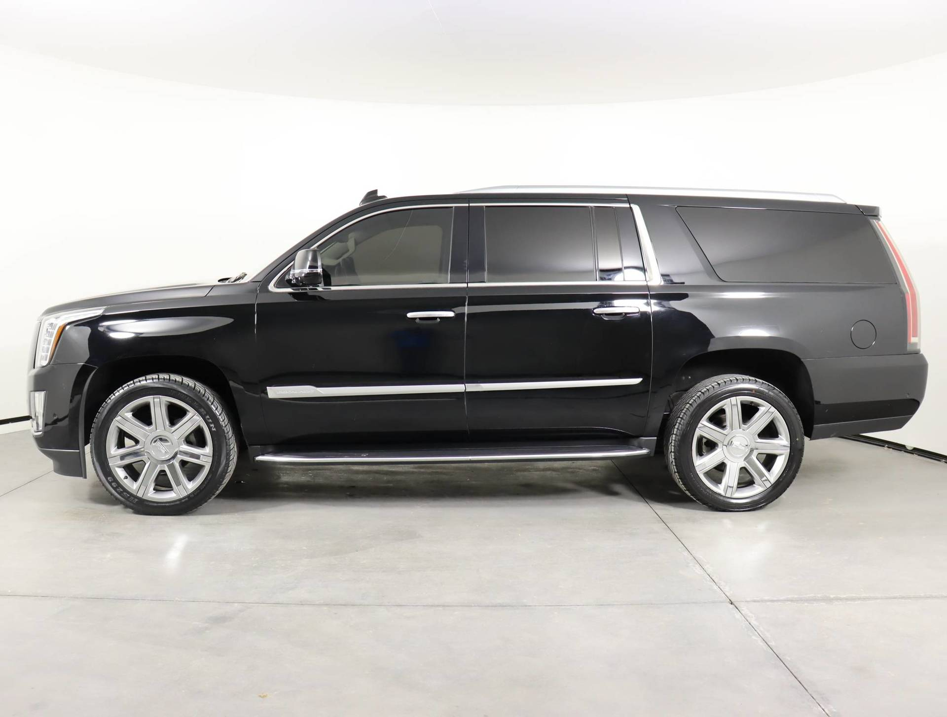 used vehicle - SUV CADILLAC ESCALADE ESV 2019