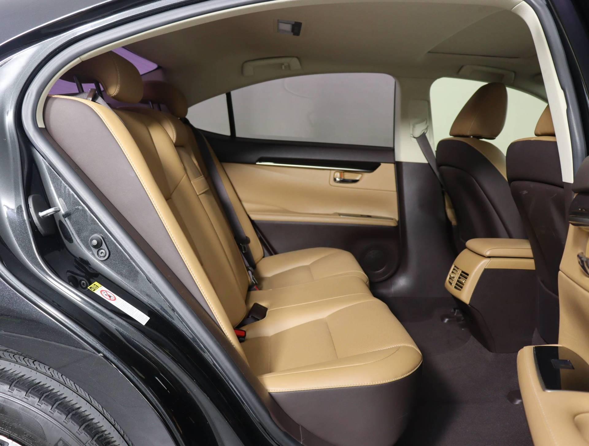 used vehicle - Sedan LEXUS ES 2018