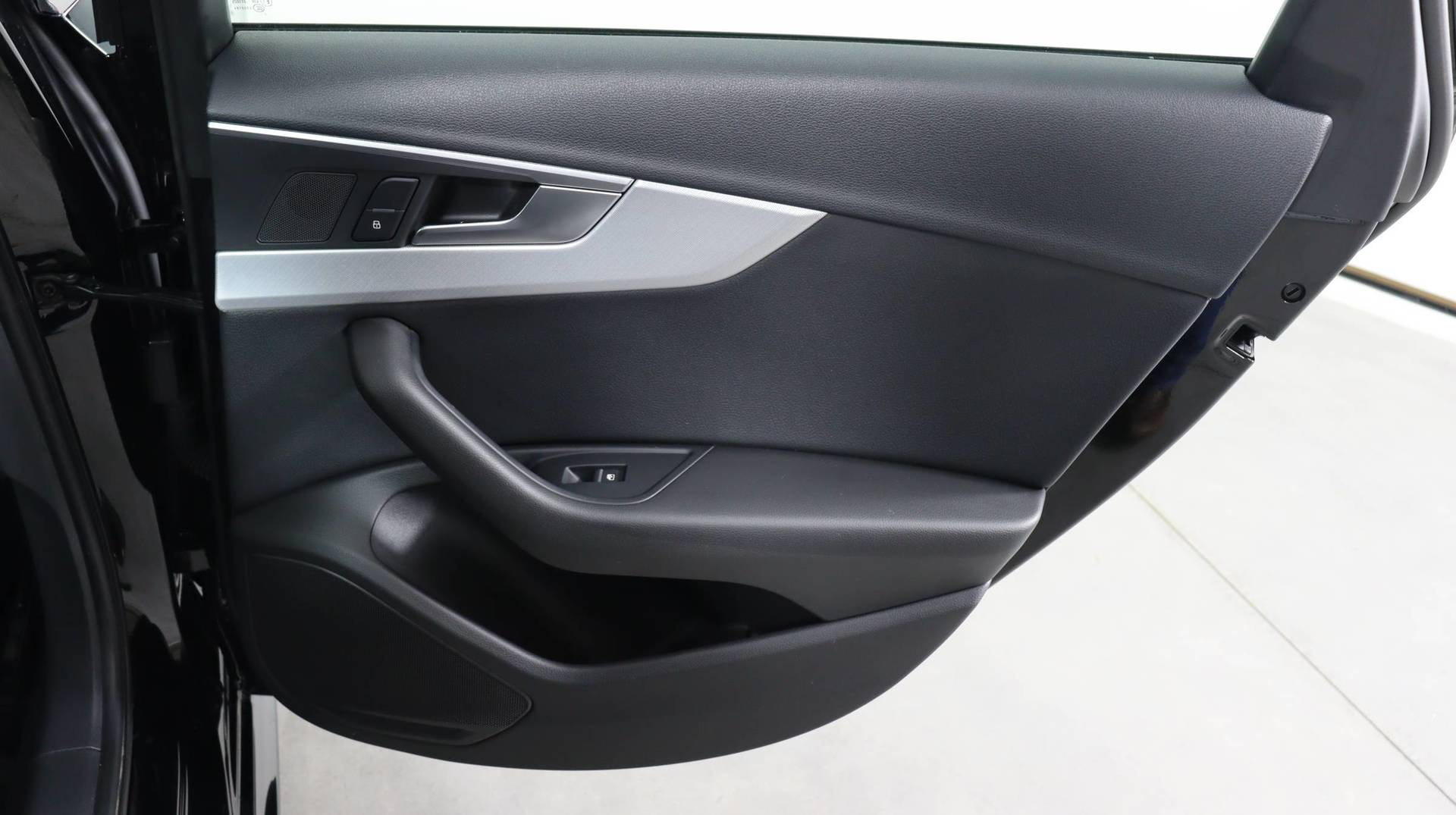 used vehicle - Sedan AUDI A4 2018