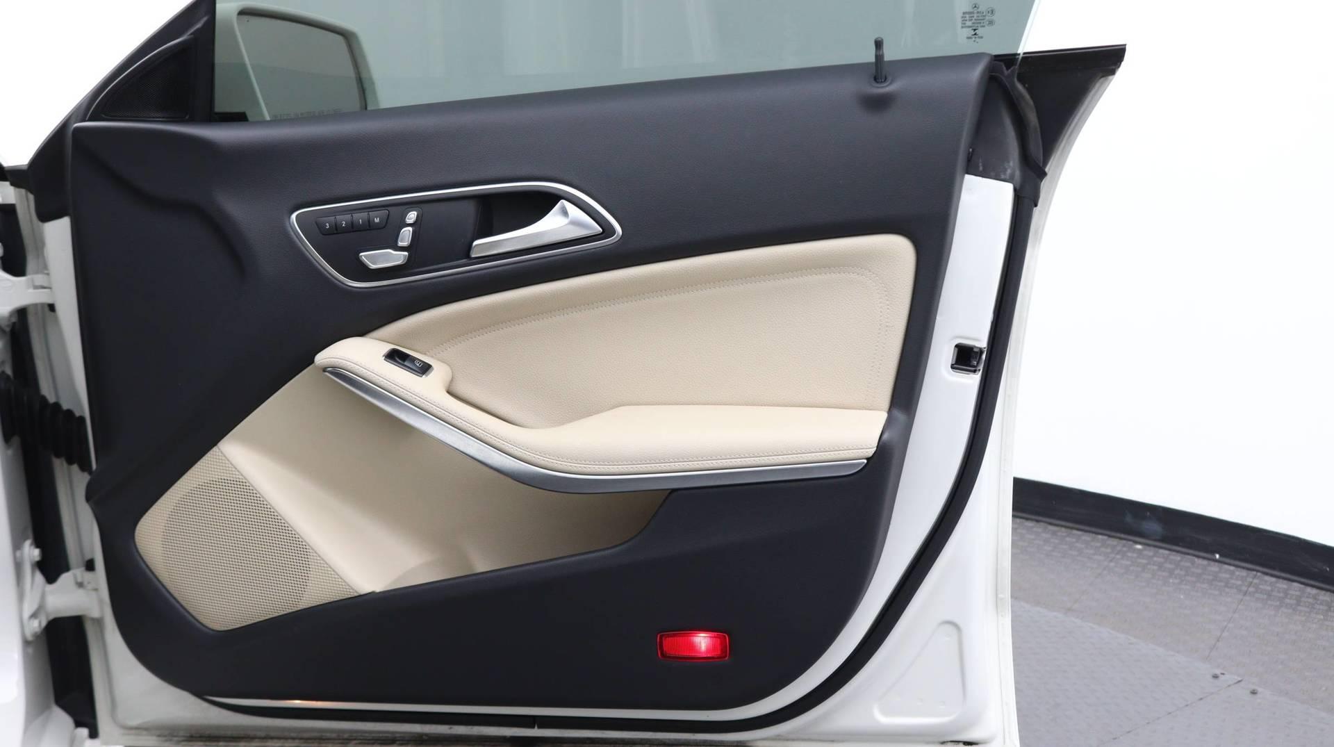 Florida Fine Cars - Used vehicle - Sedan MERCEDES-BENZ CLA 2017