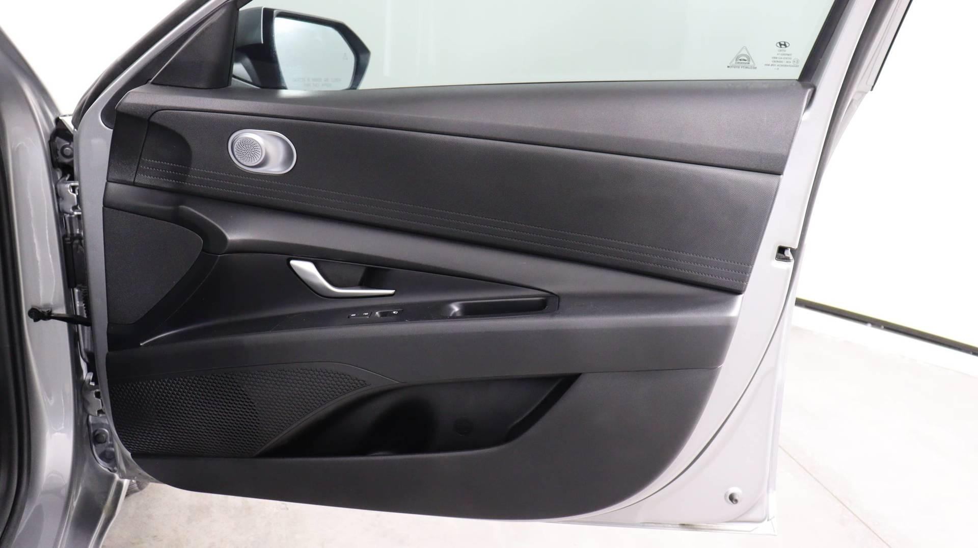 Carvix - Used vehicle - Sedan HYUNDAI ELANTRA 2021