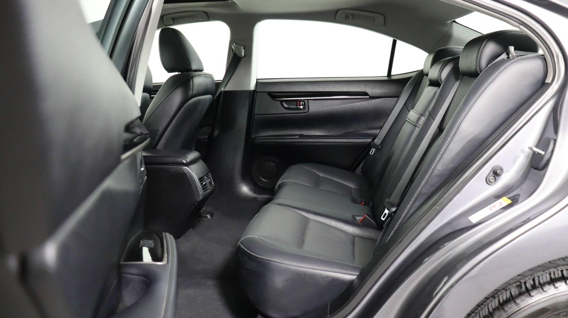 Carvix - Used vehicle - Sedan LEXUS ES 2018