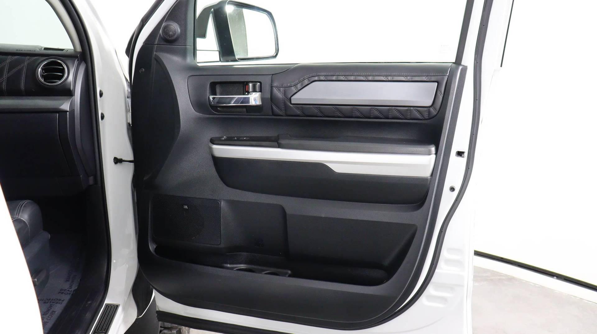 Carvix - Used vehicle - Truck TOYOTA TUNDRA 4WD 2017