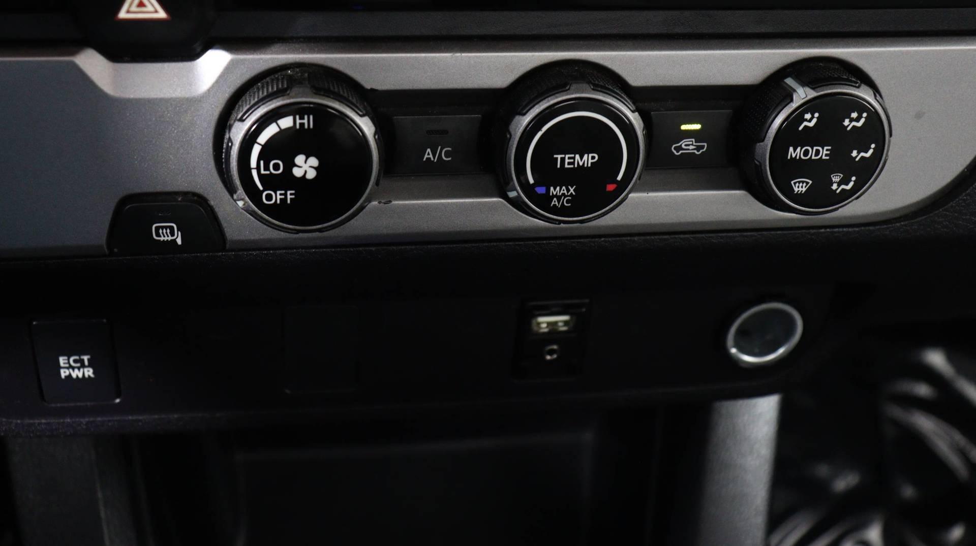 Carvix - Used vehicle - Truck TOYOTA TACOMA 2017