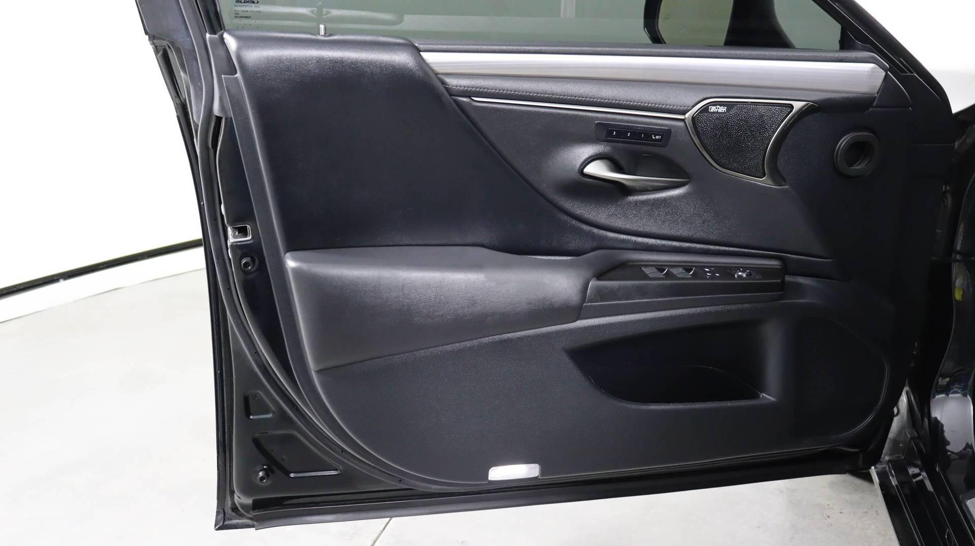 Carvix - Used vehicle - Sedan LEXUS ES 2019