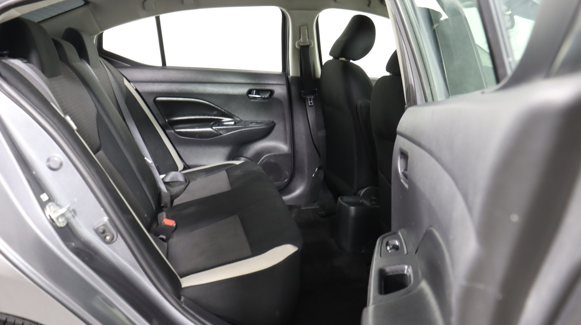 Carvix - Used vehicle - Sedan NISSAN VERSA 2020