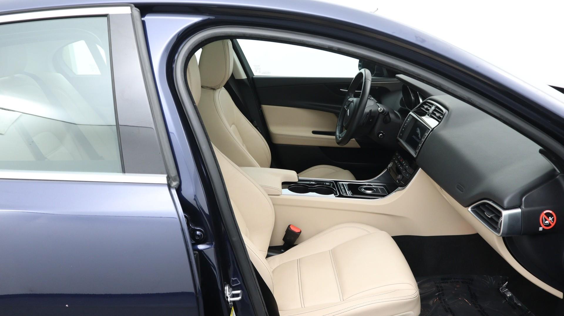 Florida Fine Cars - Used vehicle - Sedan JAGUAR XE 2017