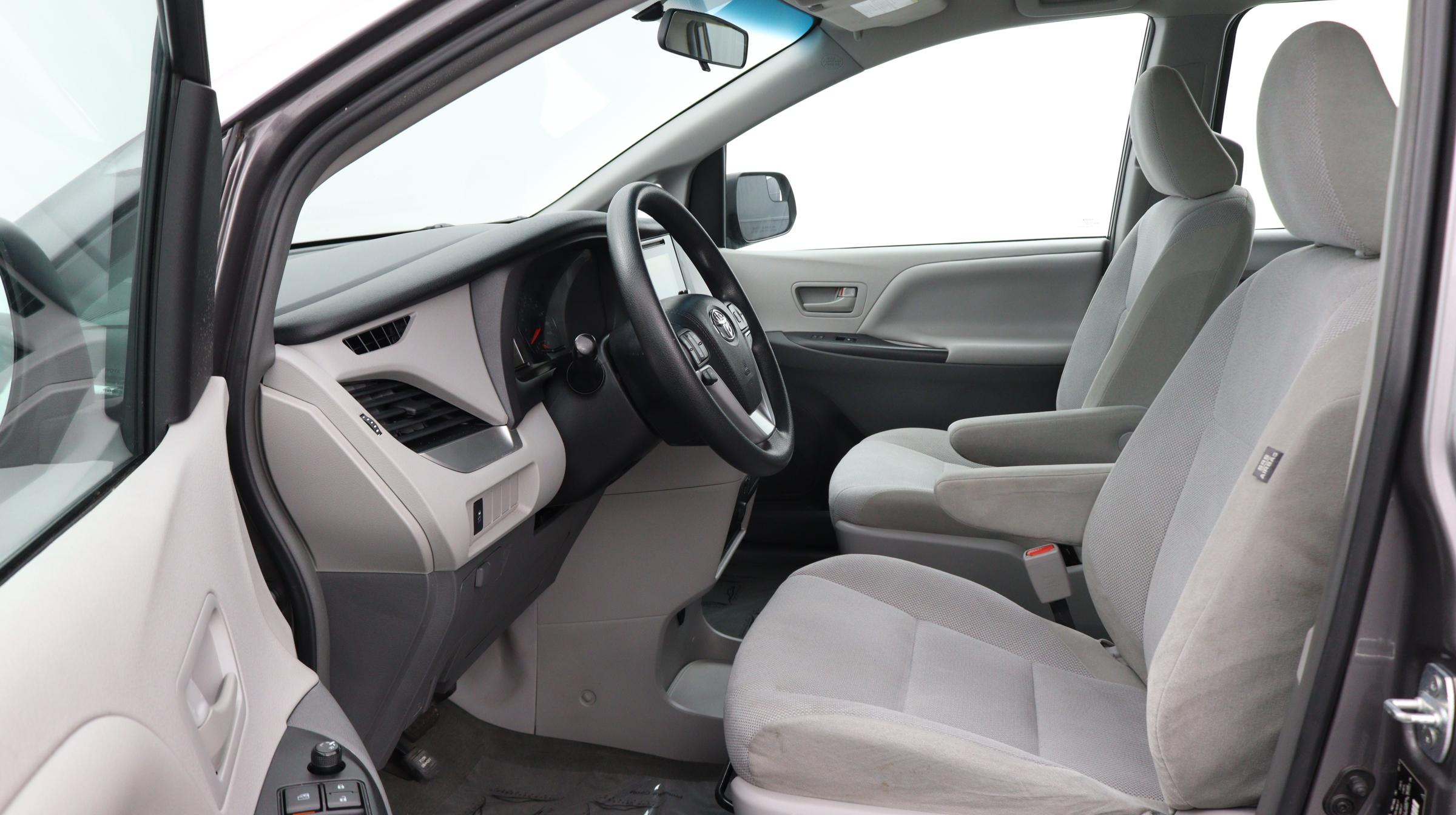Florida Fine Cars - Used vehicle - Minivan TOYOTA SIENNA 2017