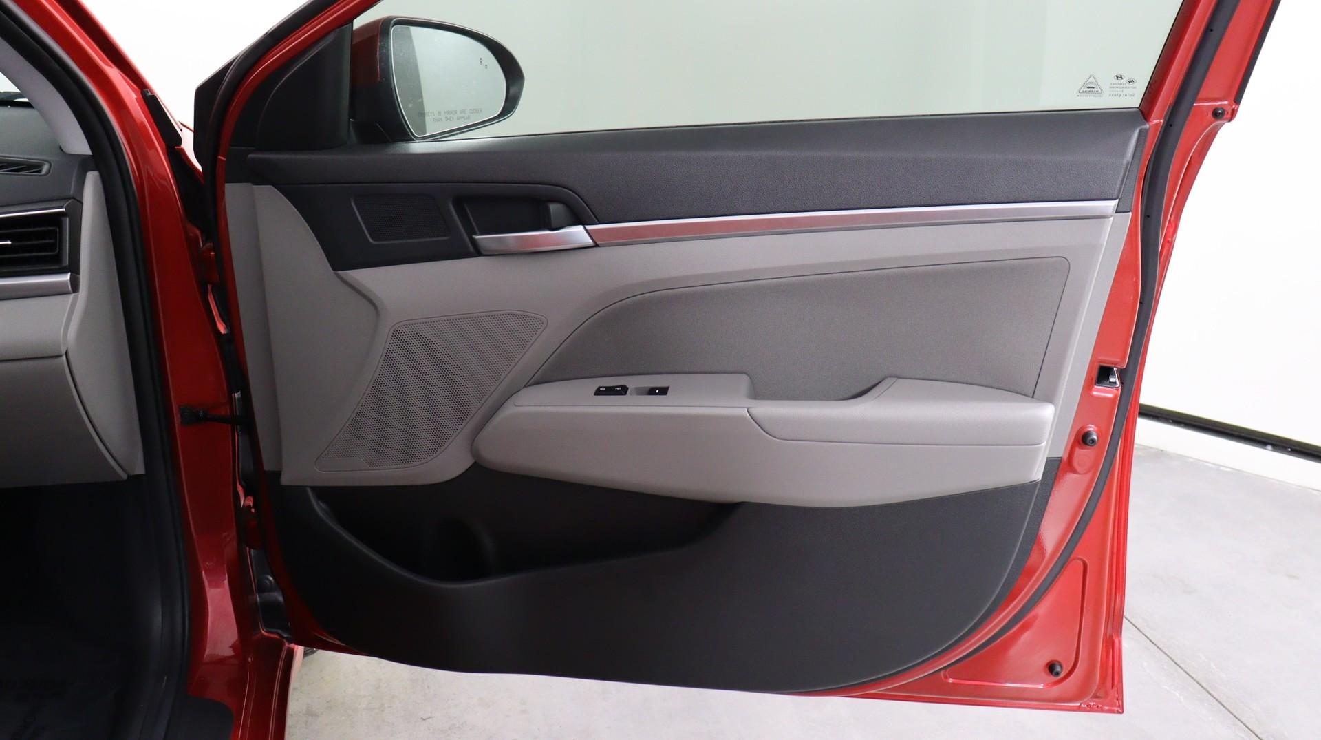 Carvix - Used vehicle - Sedan HYUNDAI ELANTRA 2020