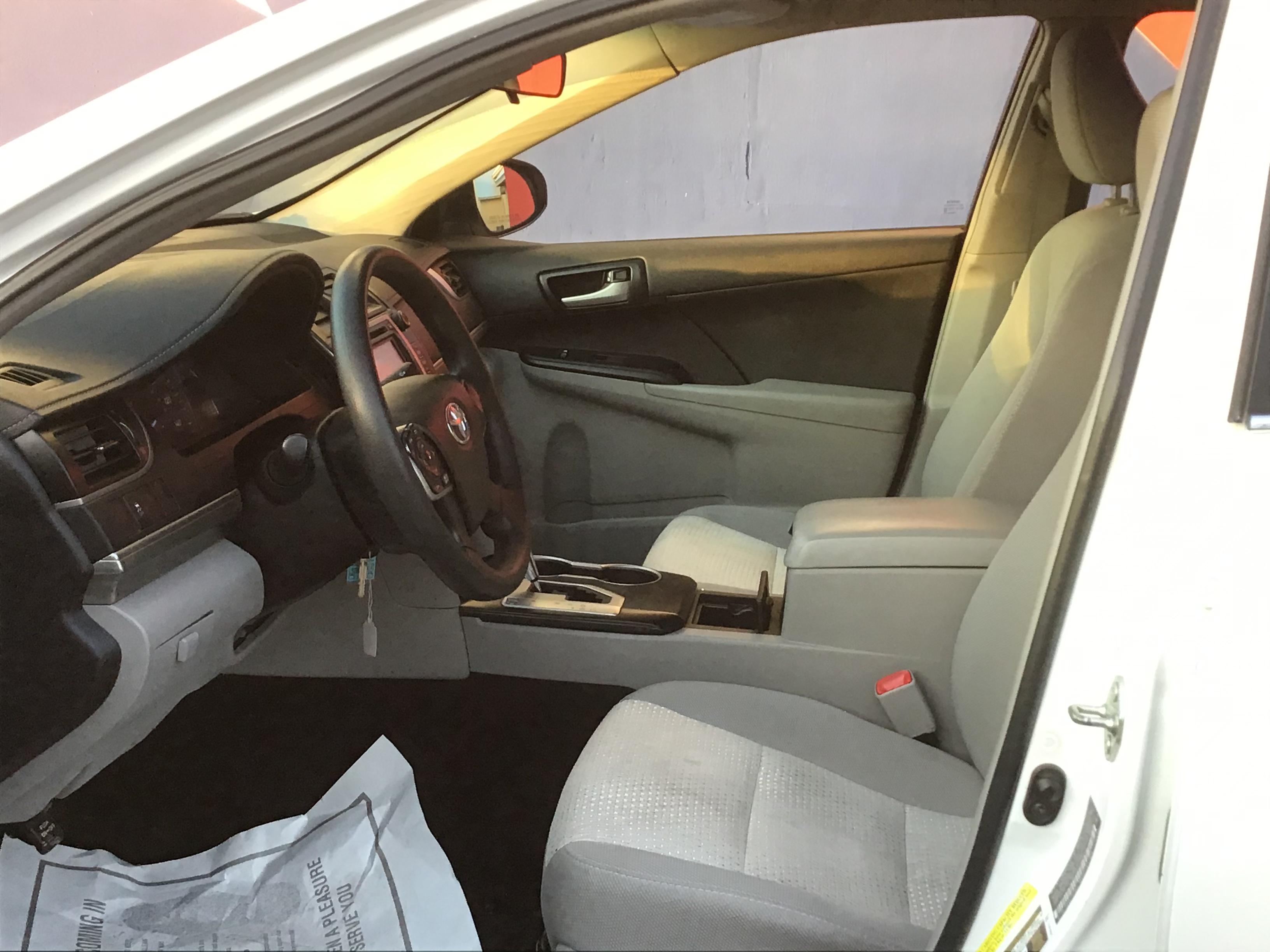 used vehicle - Sedan TOYOTA CAMRY 2014