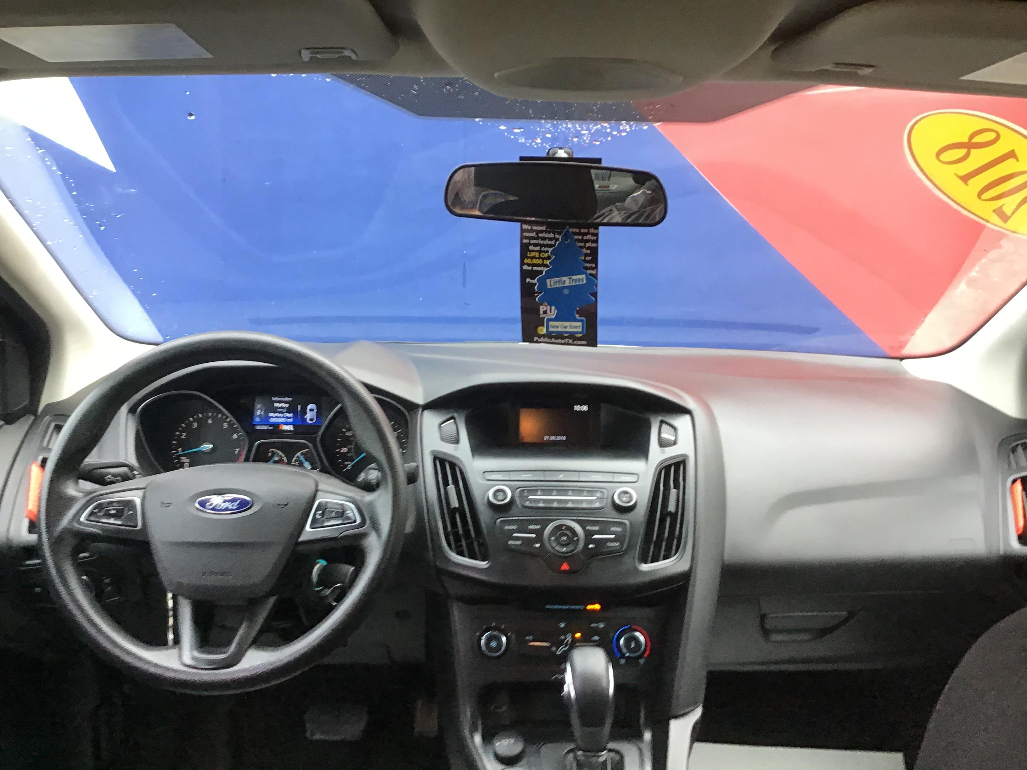 used vehicle - Sedan FORD FOCUS 2018