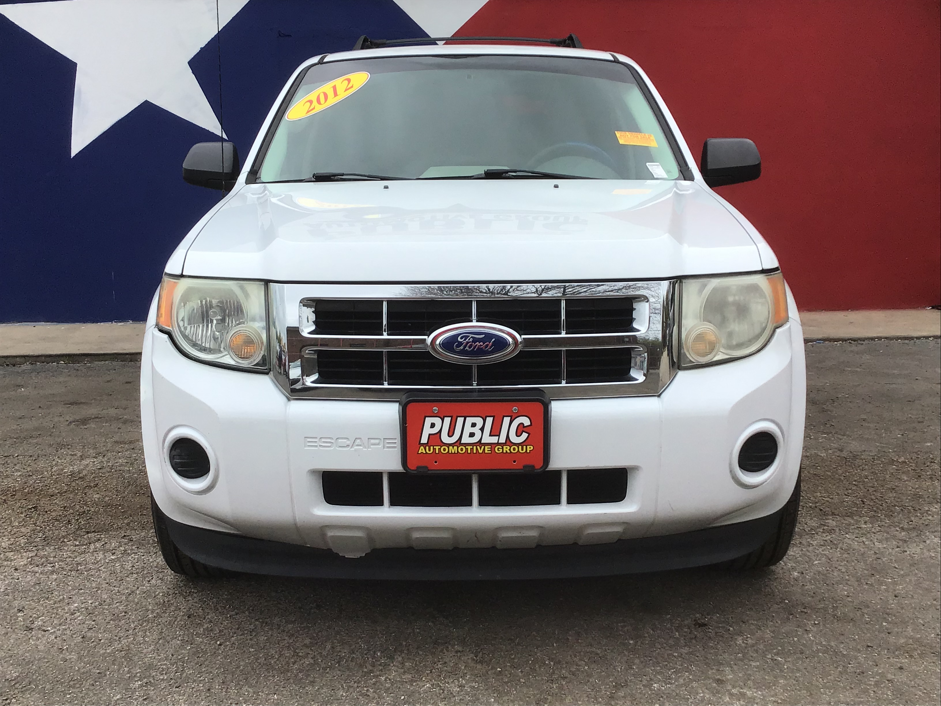 used vehicle - 4 door FORD ESCAPE 2012