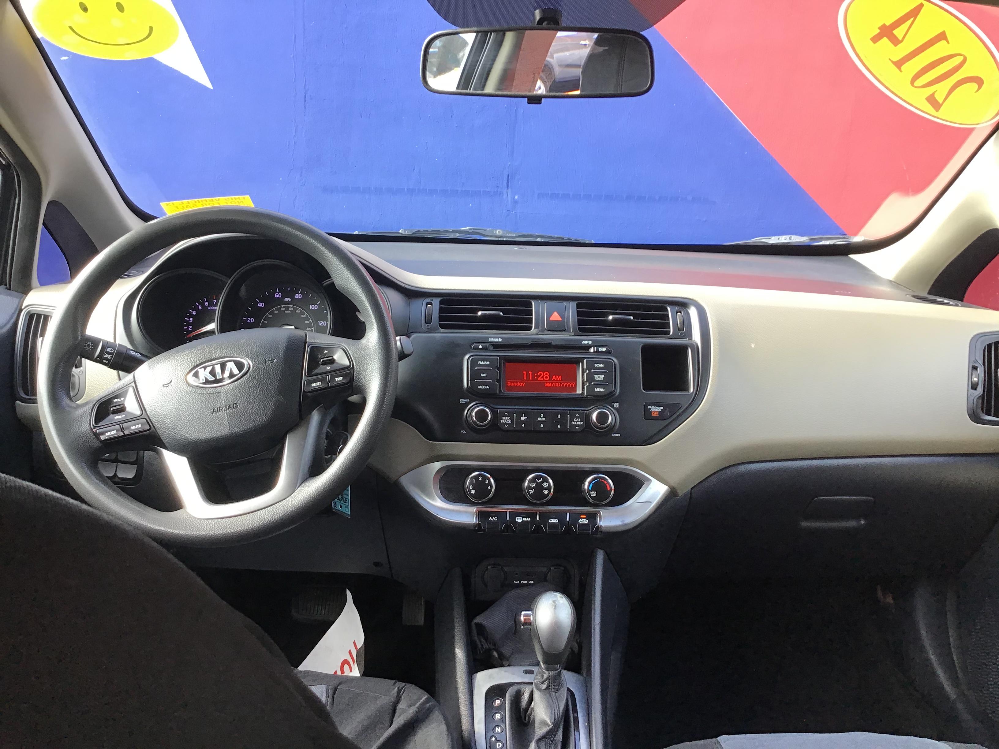 used vehicle - 4 DOOR SEDAN KIA RIO 2014