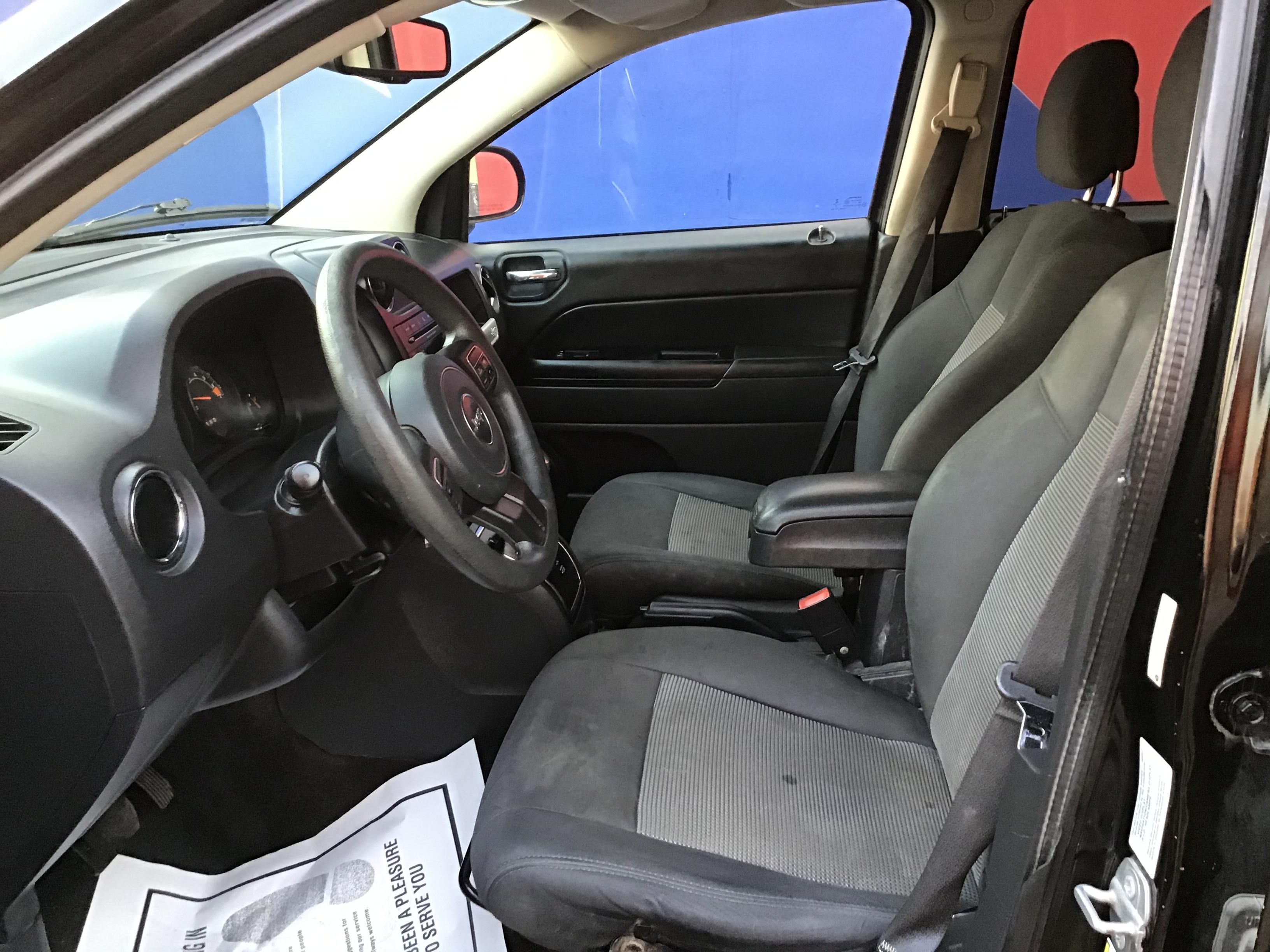 used vehicle - SUV JEEP CHEROKEE 2015