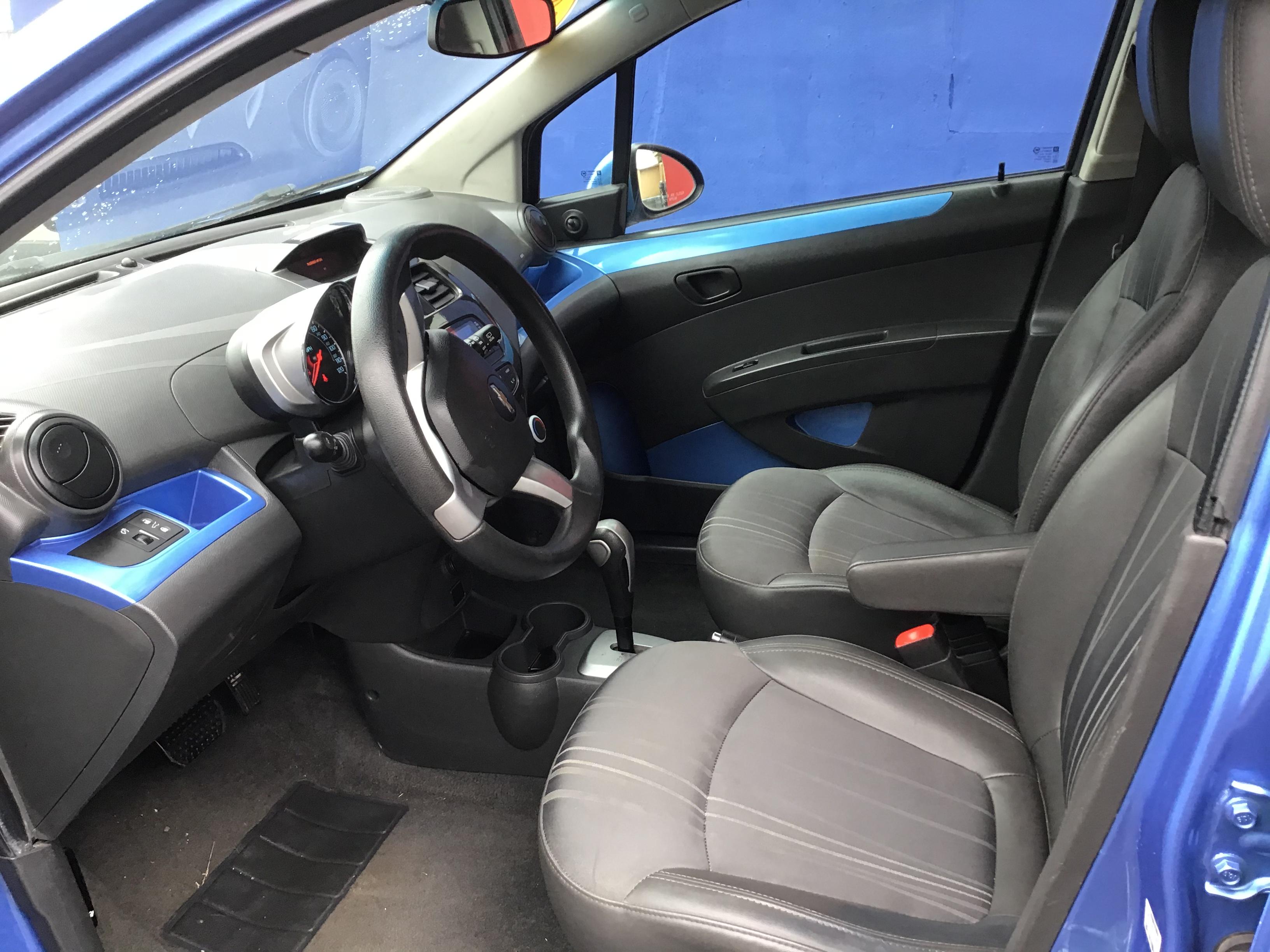 used vehicle - Sedan CHEVROLET SPARK 2014