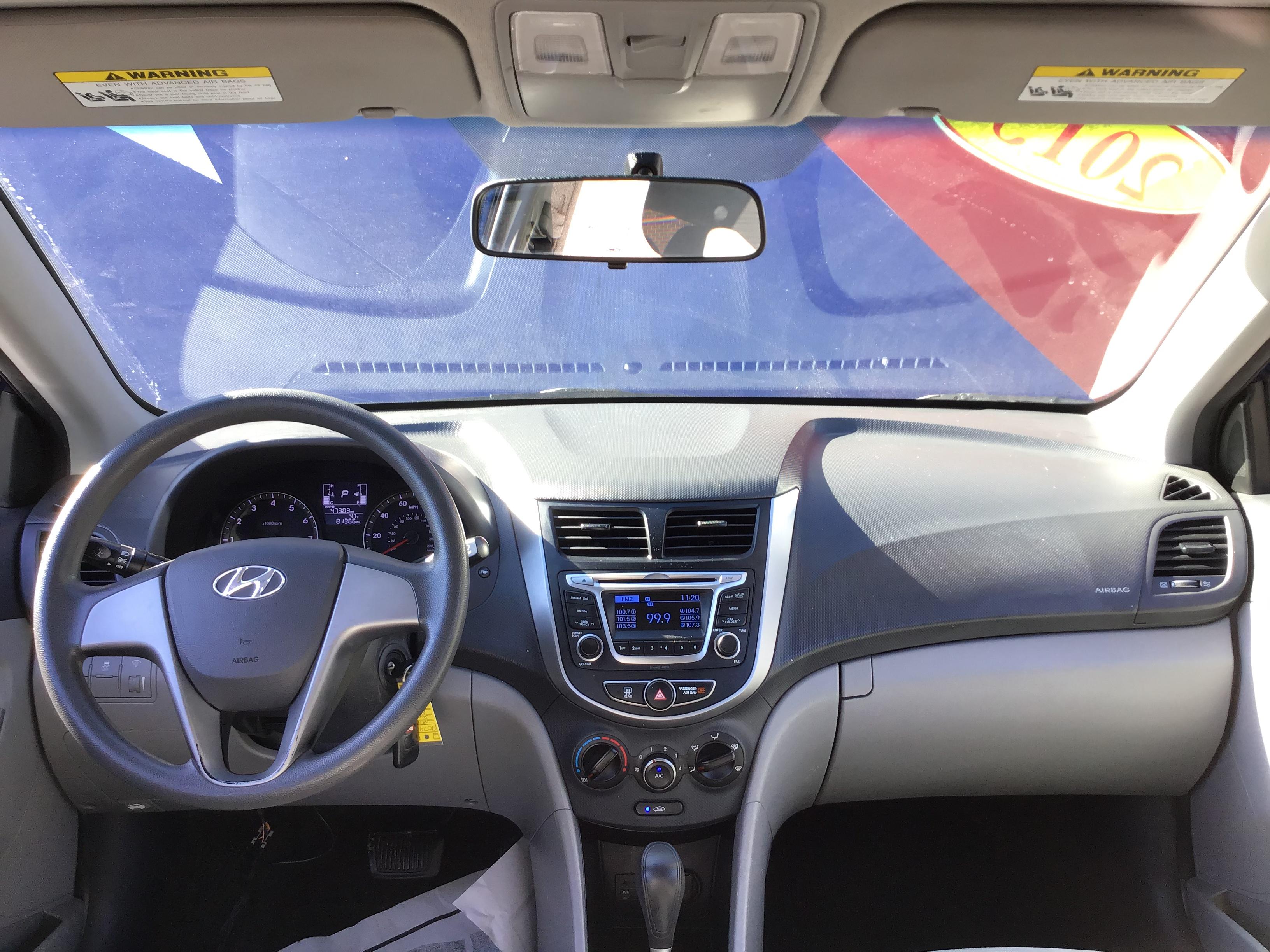 used vehicle - Sedan HYUNDAI ACCENT 2015