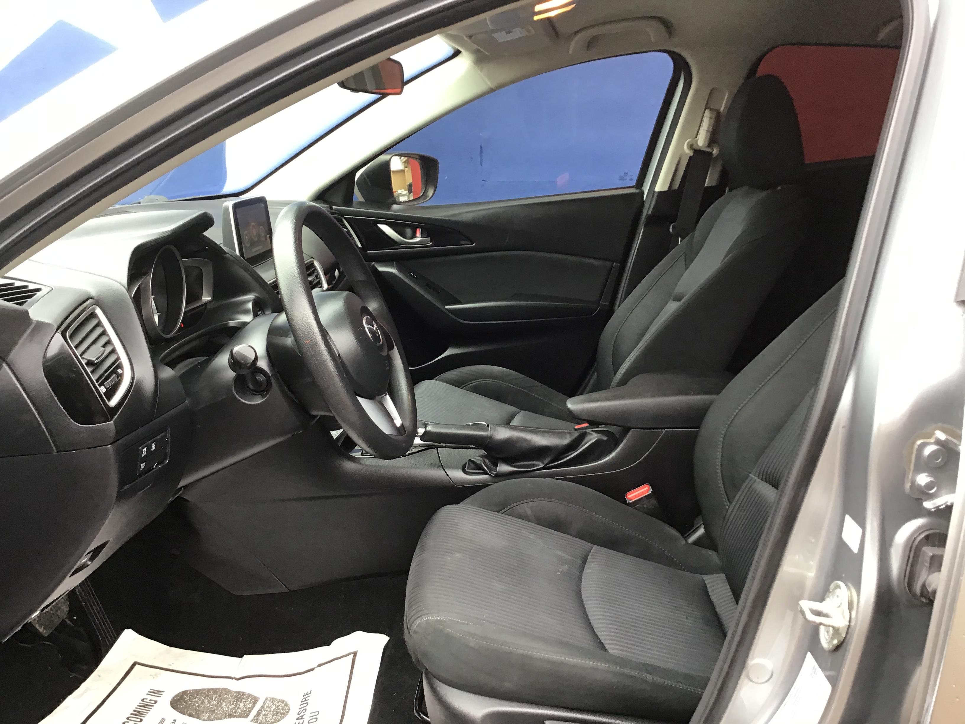 used vehicle - Sedan MAZDA MAZDA3 2016
