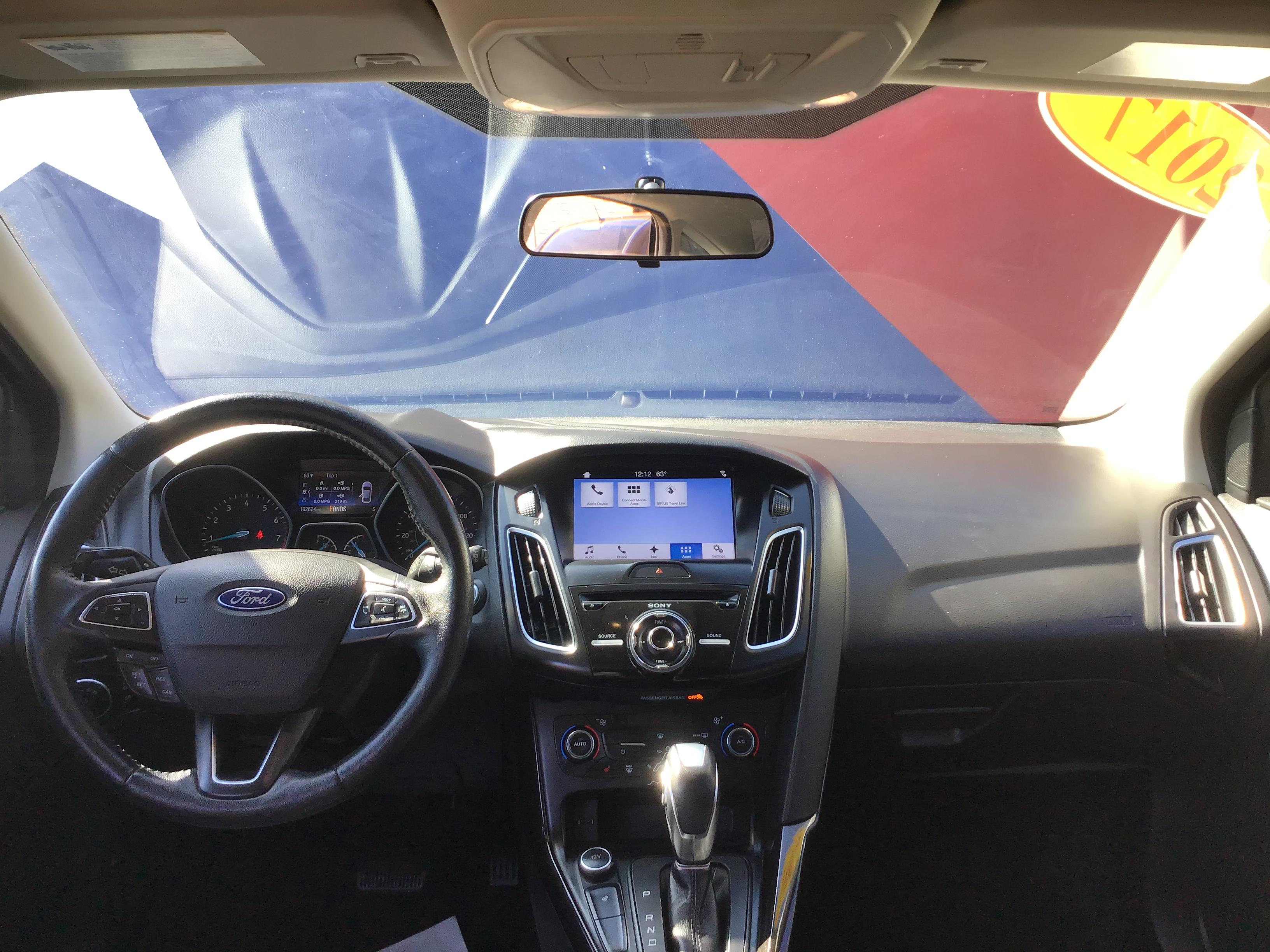 used vehicle - Sedan FORD FOCUS 2017