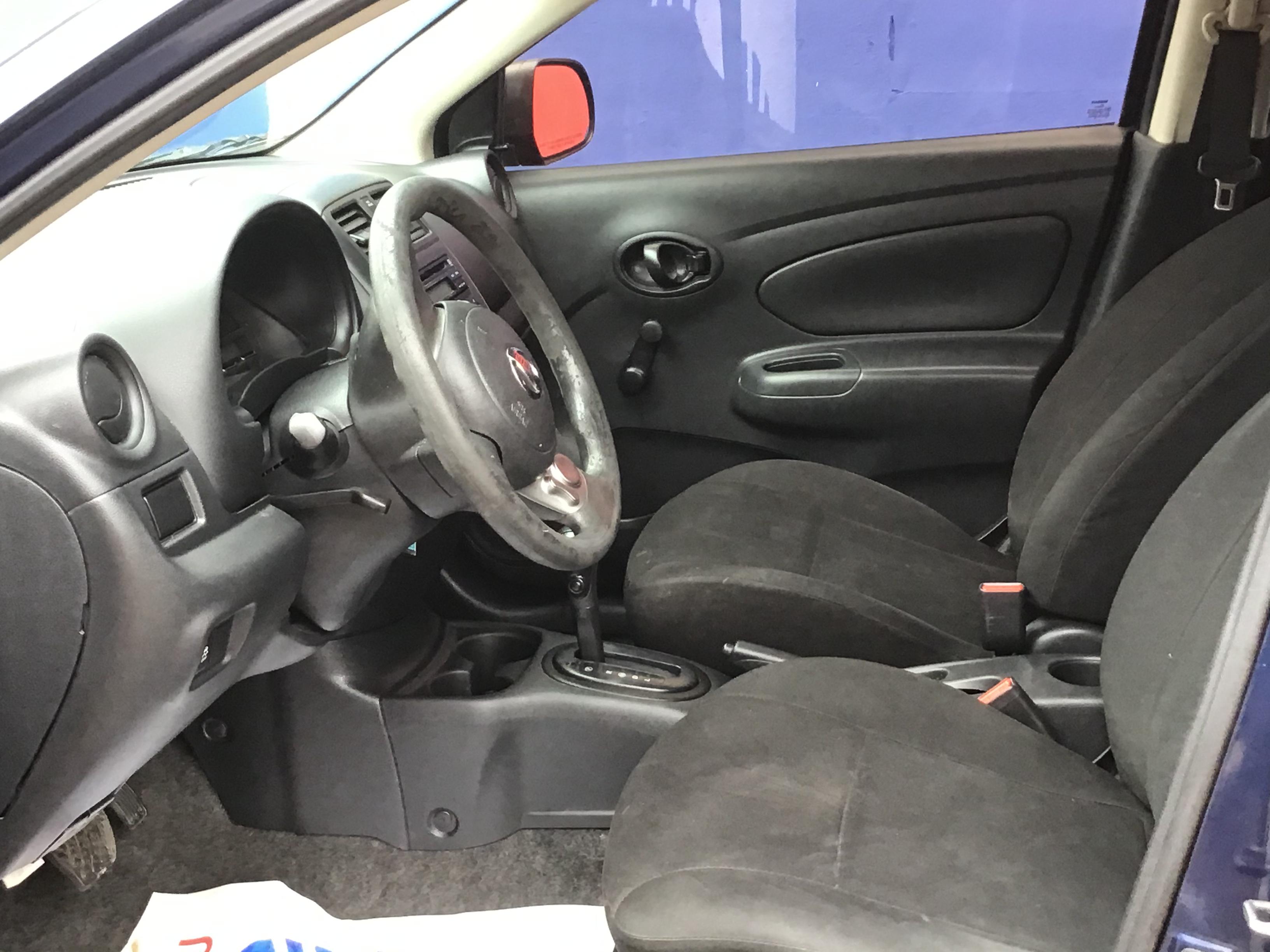 used vehicle - Sedan NISSAN VERSA 2014