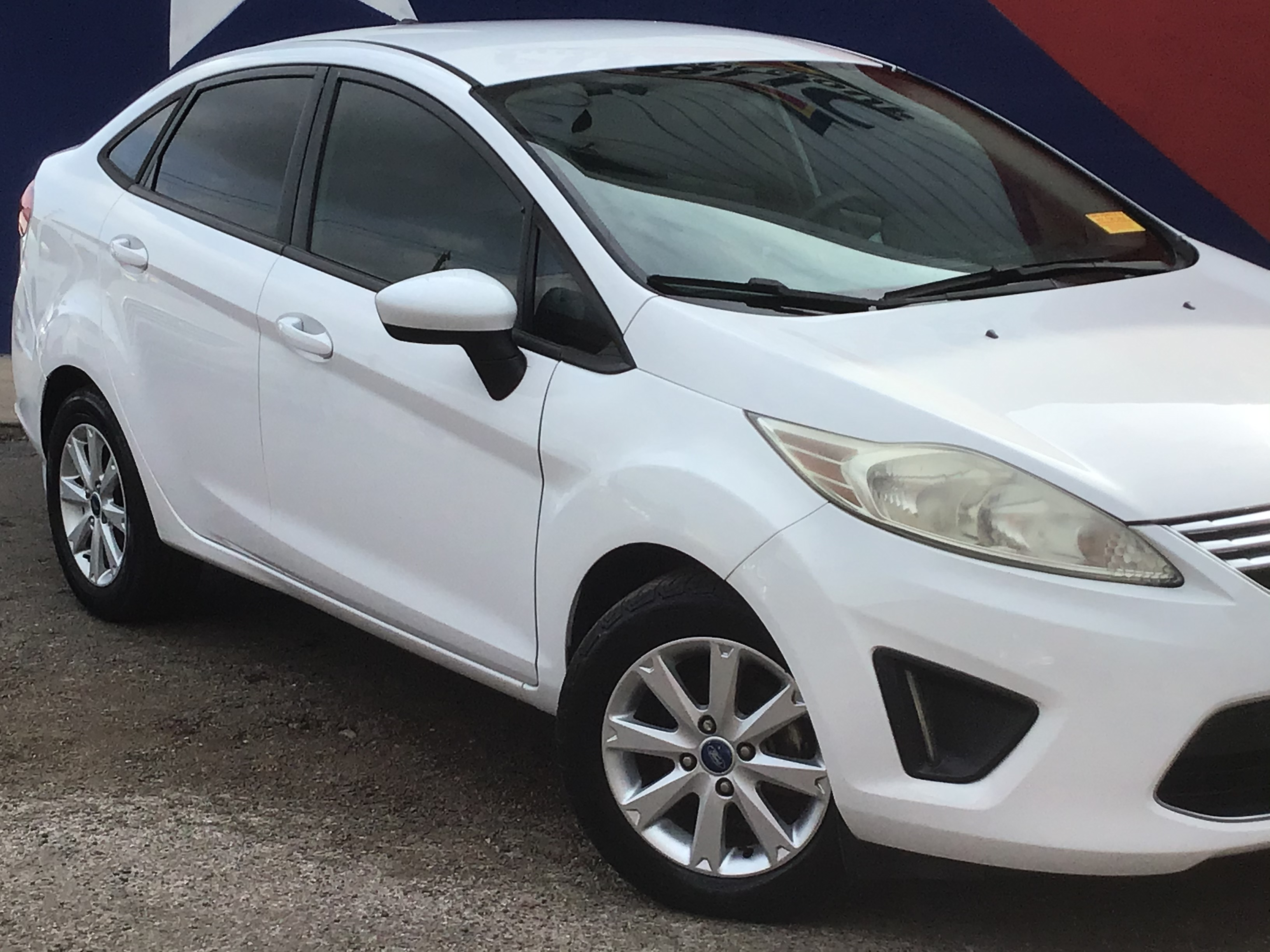 used vehicle - 4 door FORD FIESTA 2011