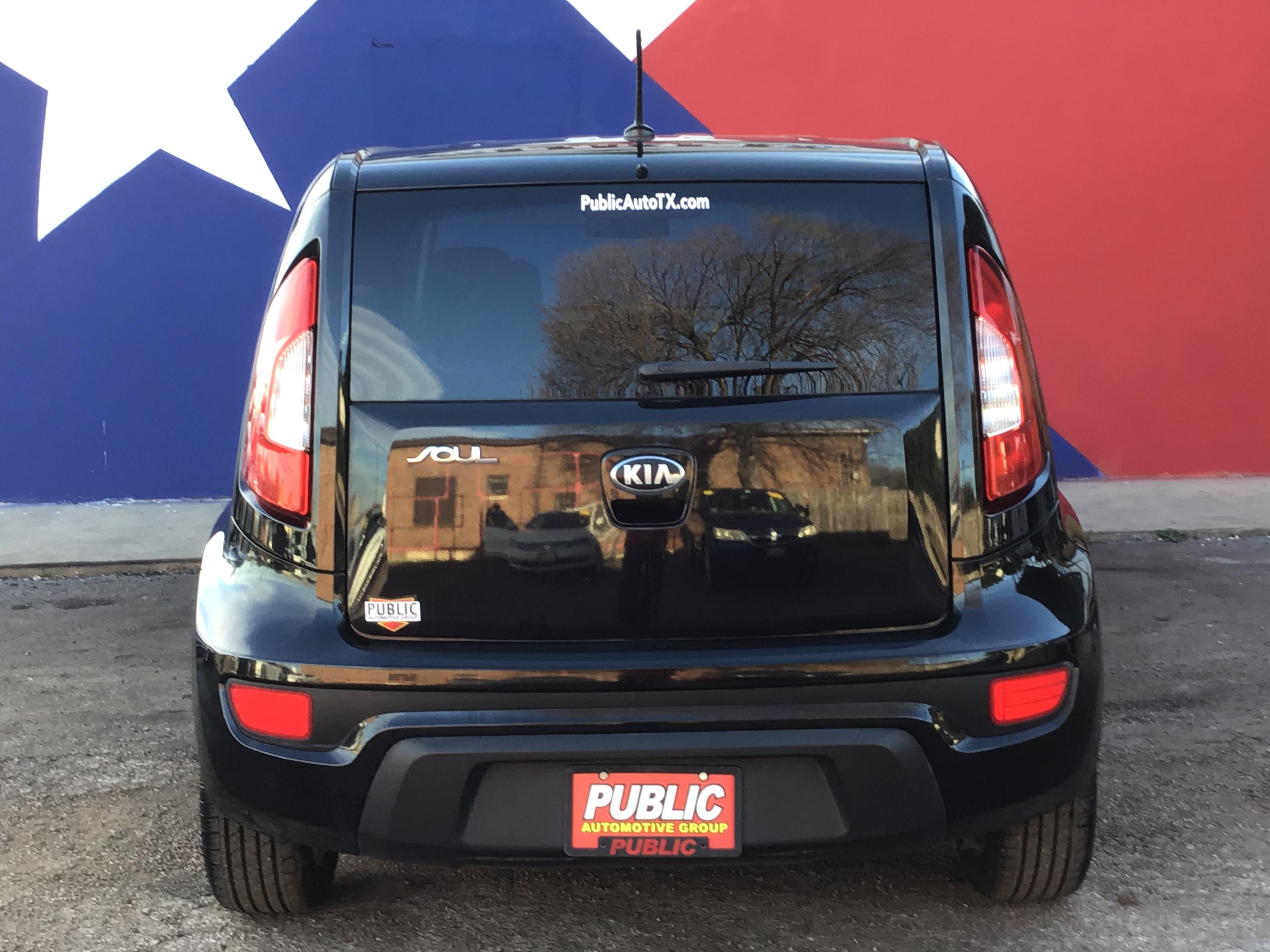 used vehicle - Sedan KIA SOUL 2013