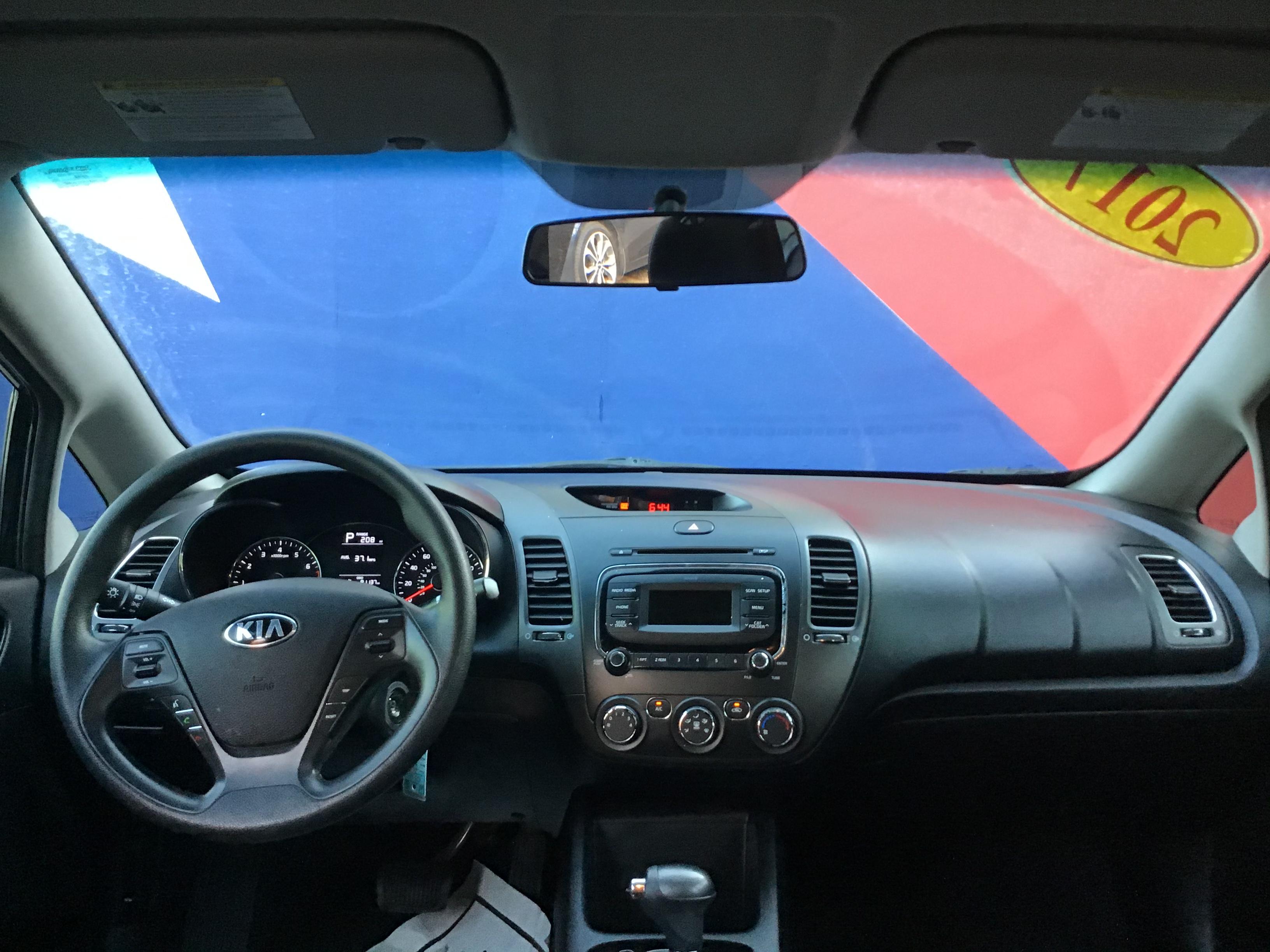 used vehicle - Sedan KIA FORTE 2017