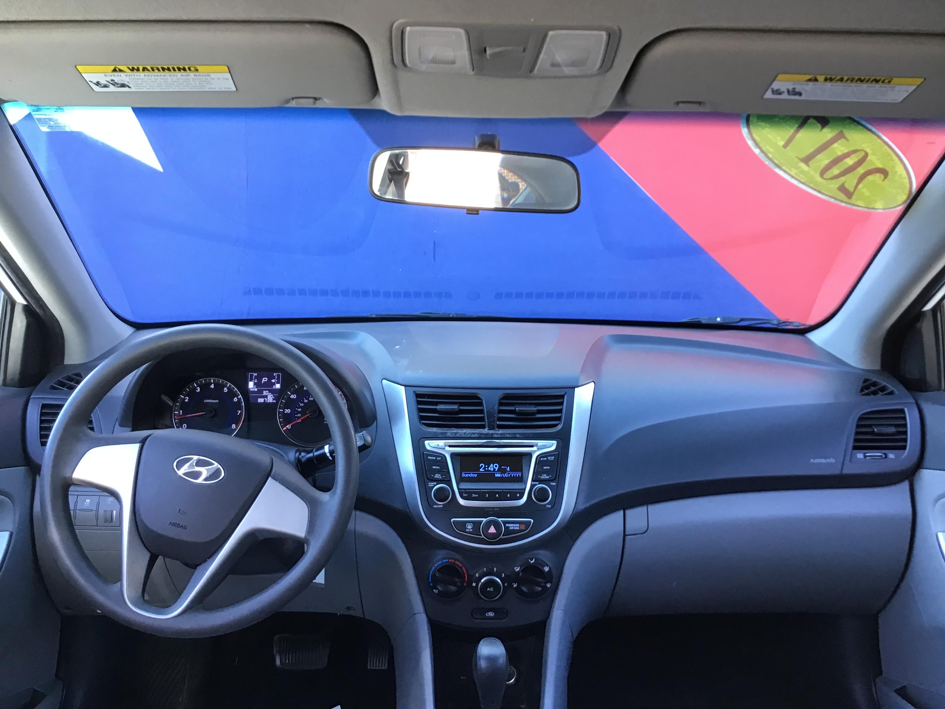 used vehicle - Sedan HYUNDAI ACCENT 2017