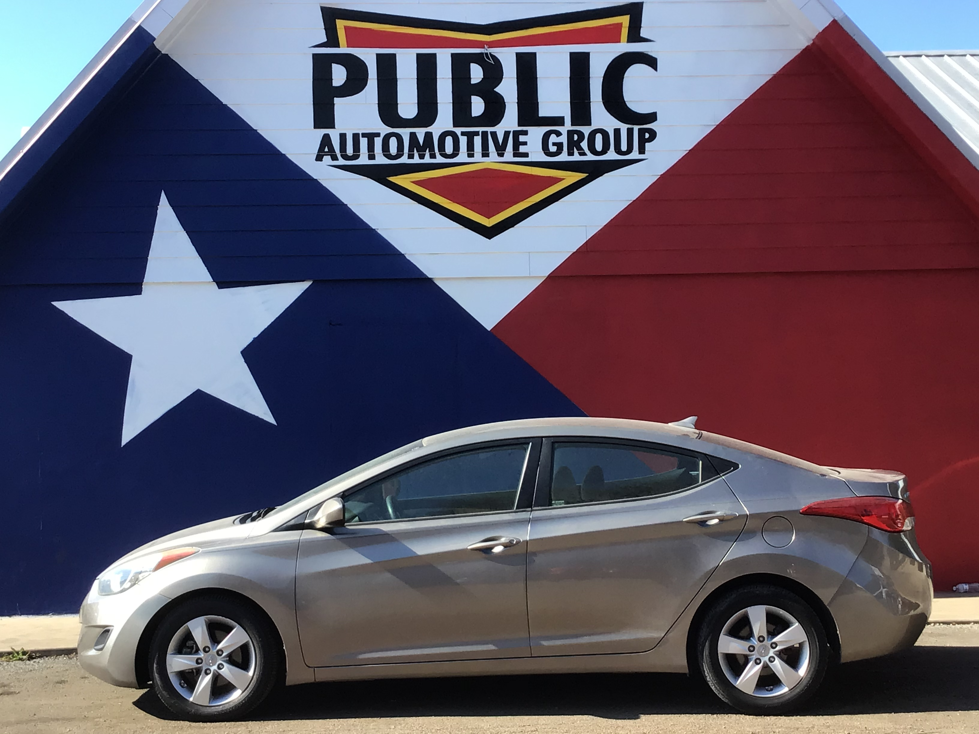 used vehicle - Sedan HYUNDAI ELANTRA 2013