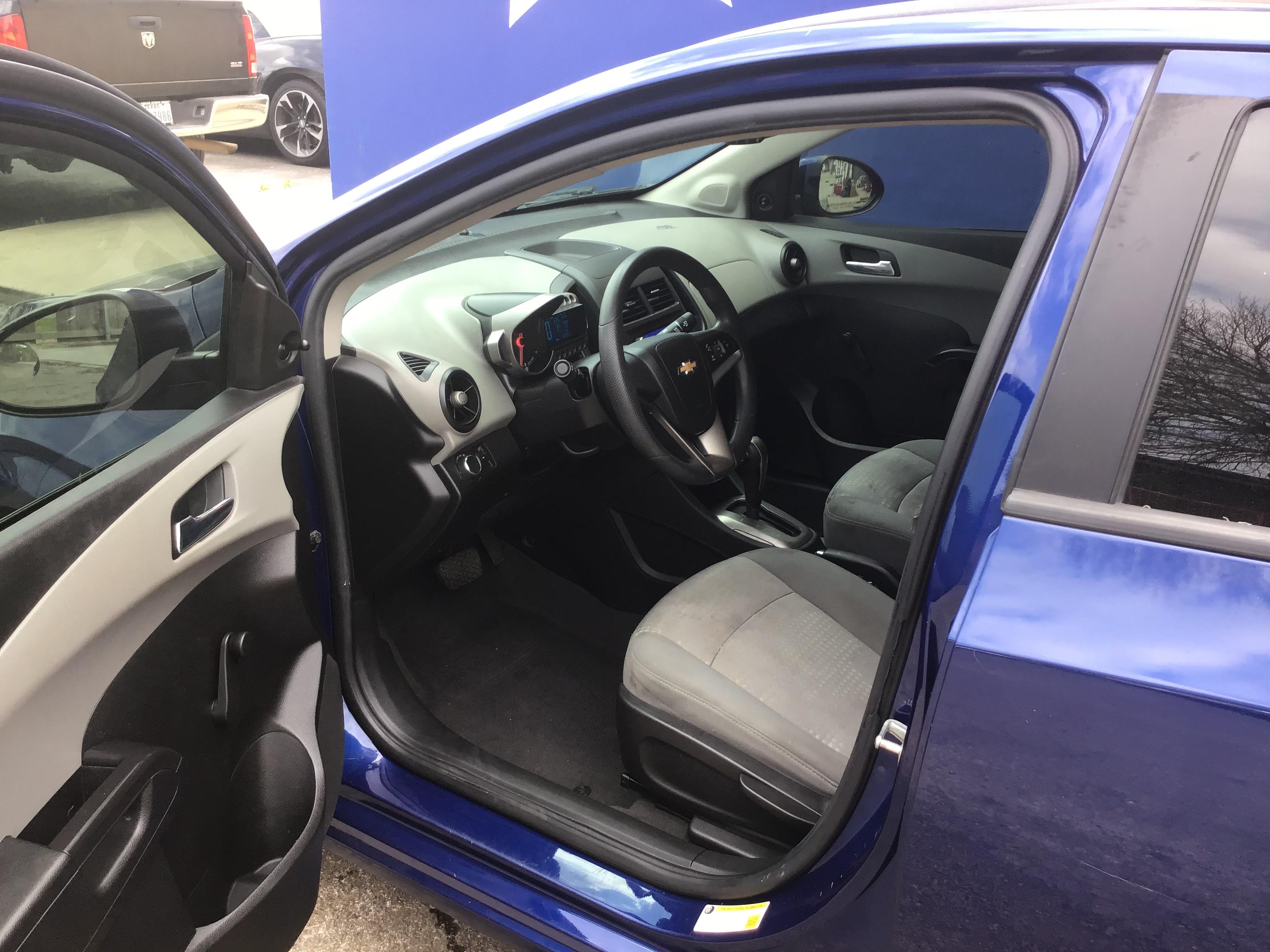 used vehicle - Sedan CHEVROLET SONIC 2013