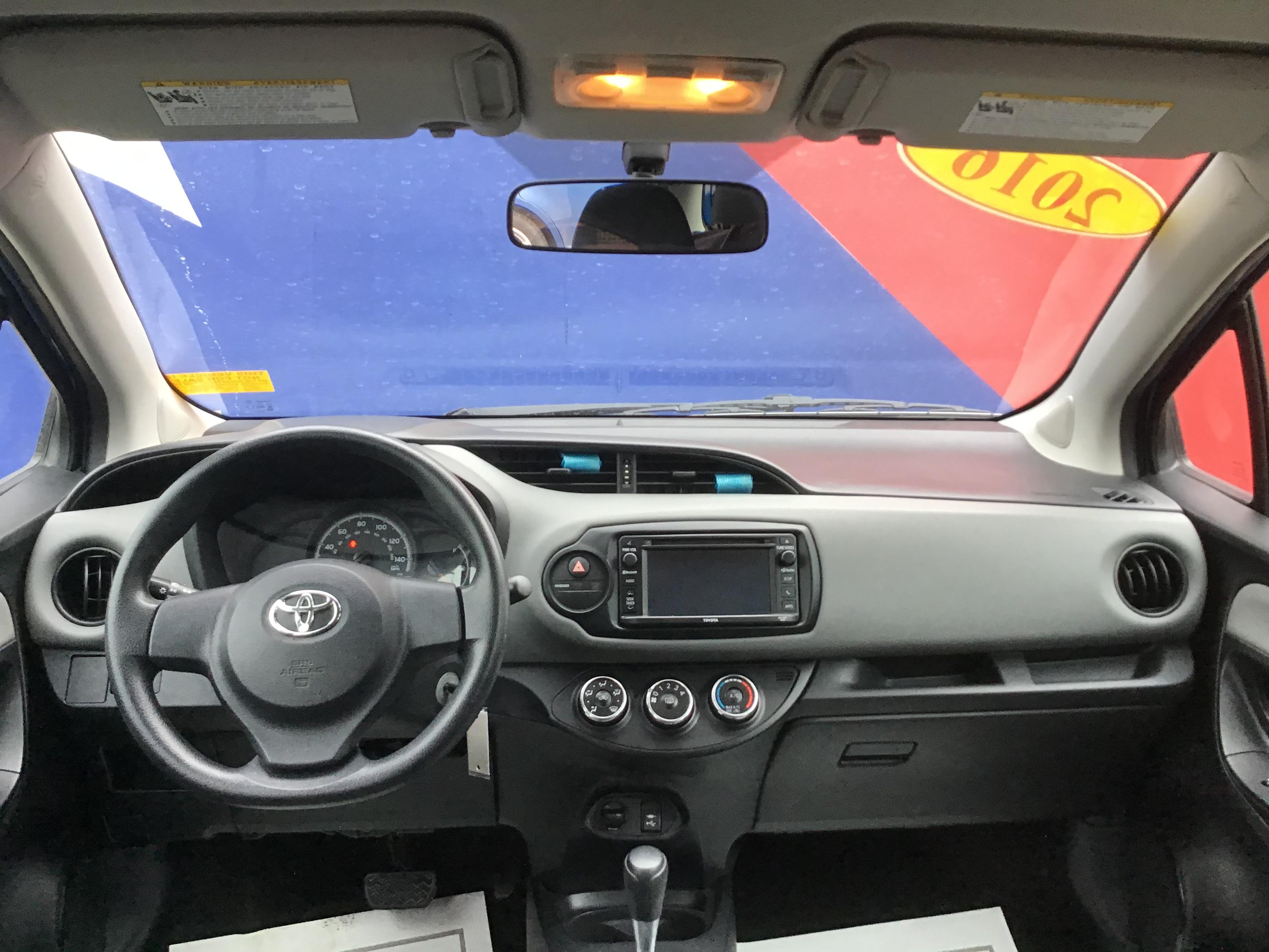 used vehicle - Sedan TOYOTA YARIS 2016