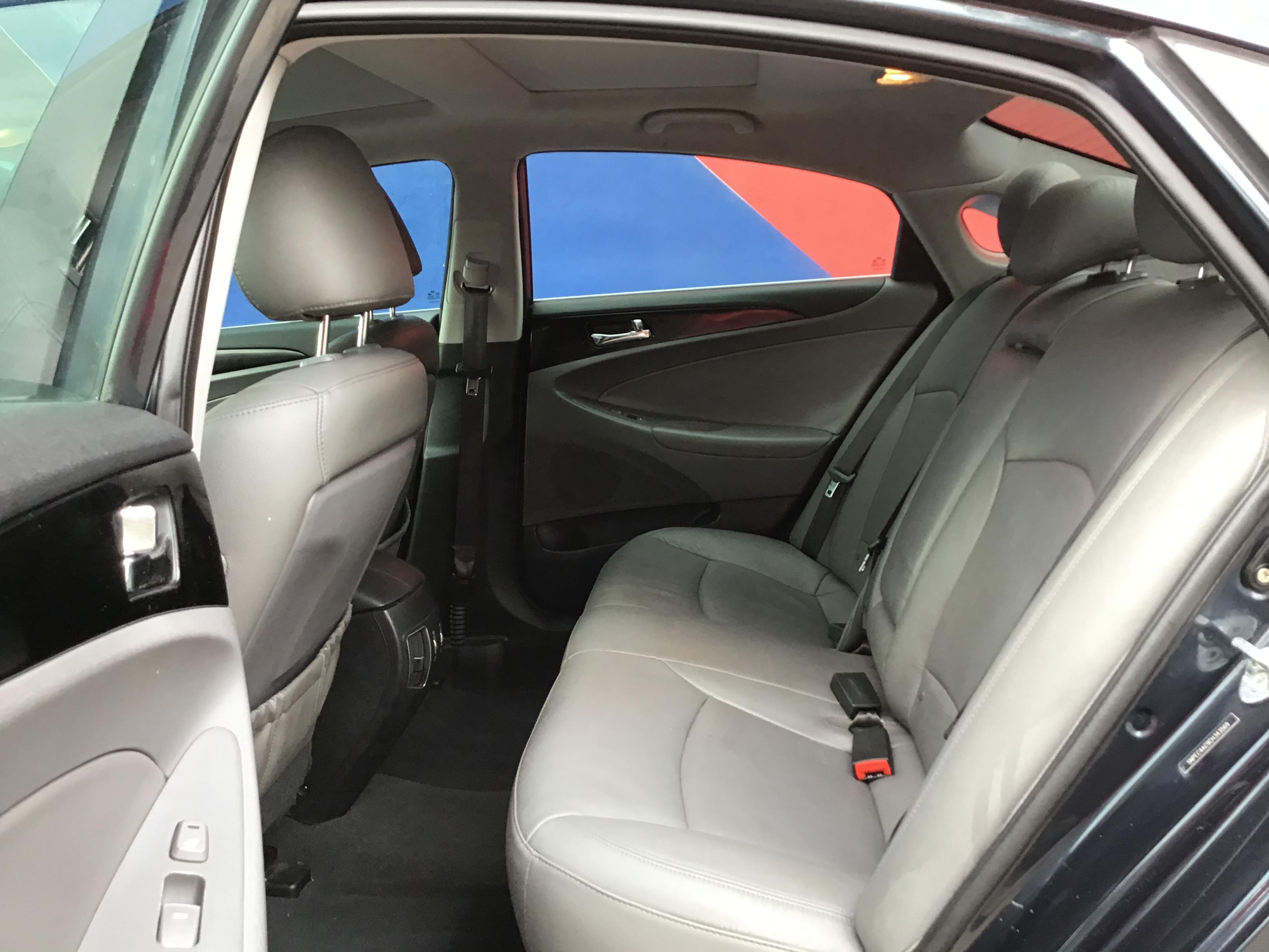 used vehicle - Sedan HYUNDAI SONATA 2012