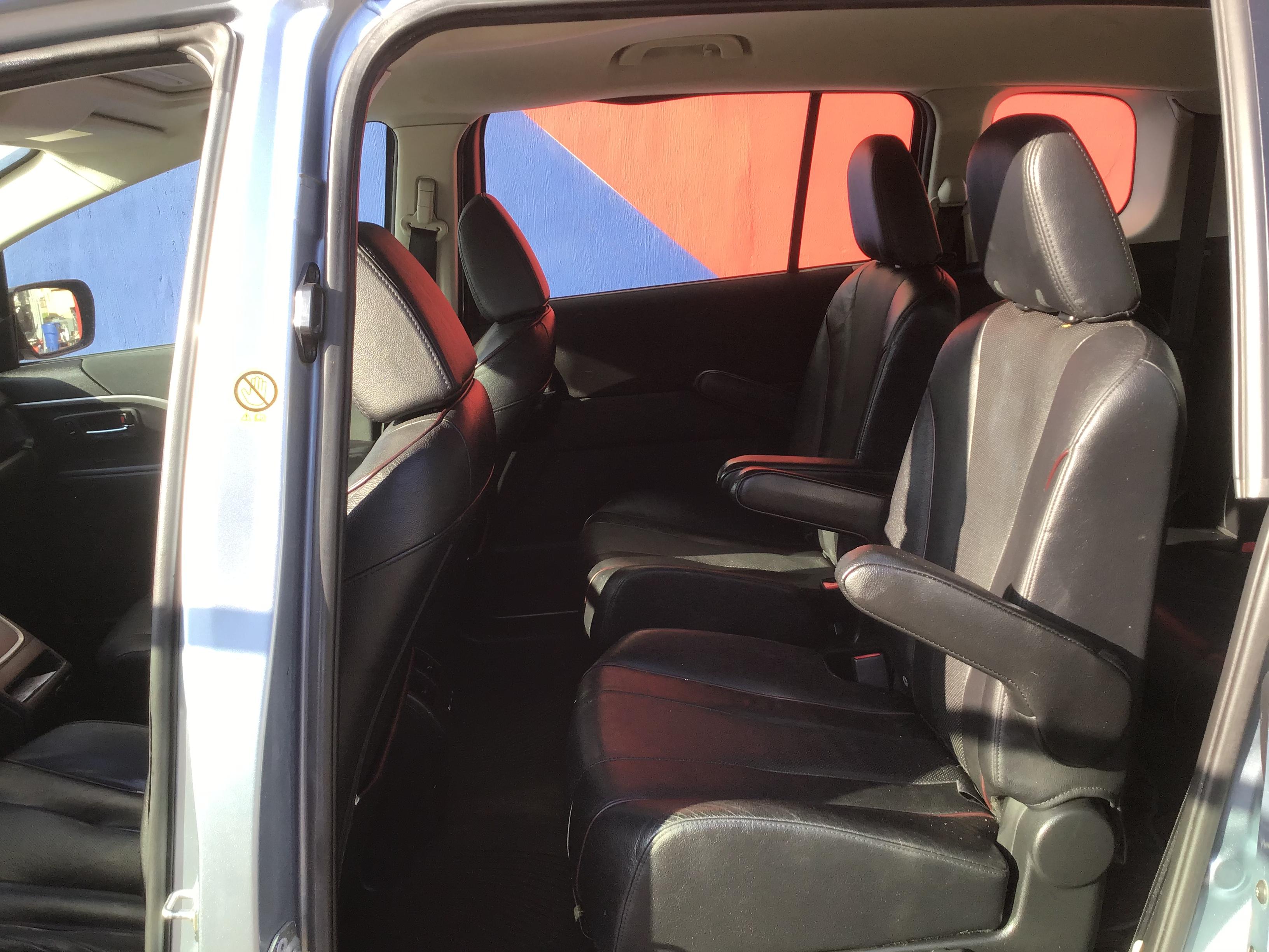 used vehicle - Passenger Van MAZDA MAZDA5 2013