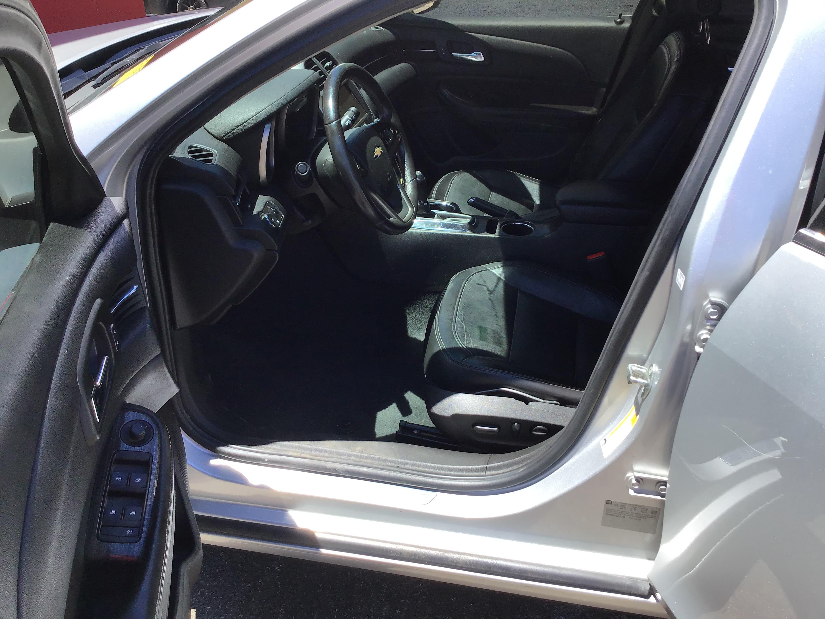 used vehicle - Sedan CHEVROLET MALIBU LIMITED 2016