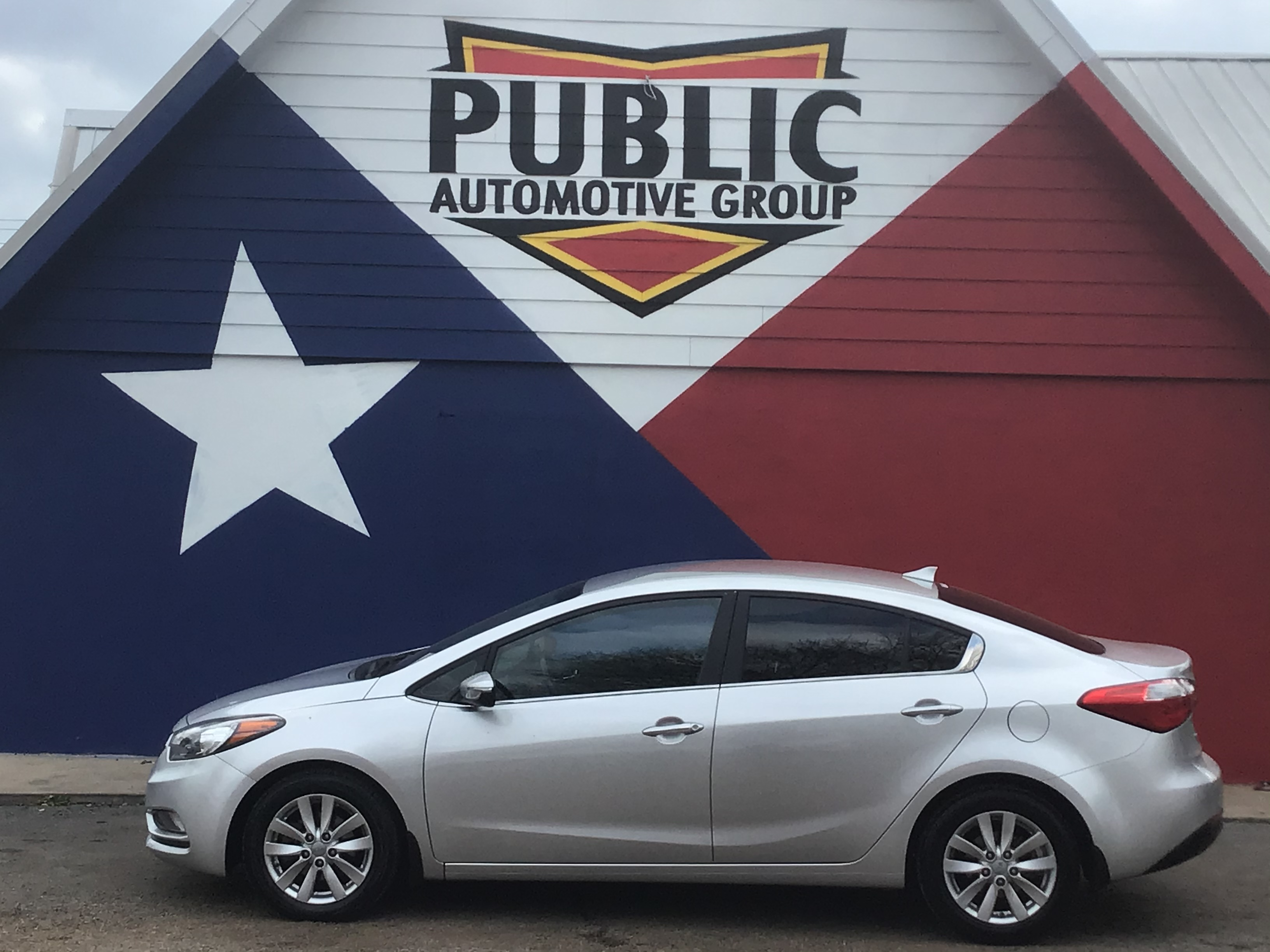 used vehicle - Sedan KIA FORTE 2014