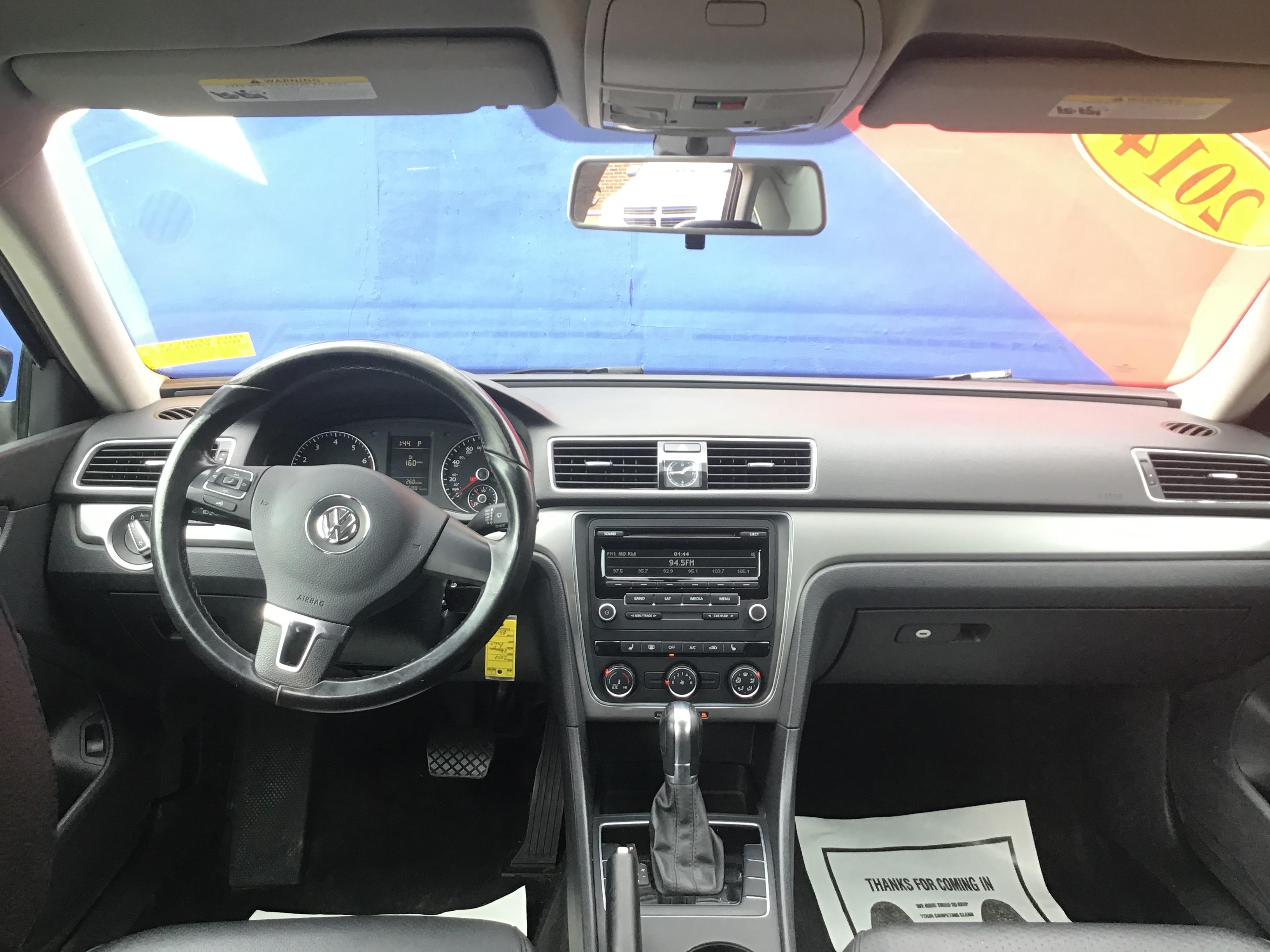 used vehicle - Sedan VOLKSWAGEN PASSAT 2014